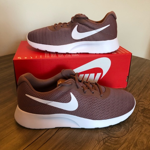 how to buy huge selection of get cheap NEW - Woman's Nike Tanjun shoes NWT